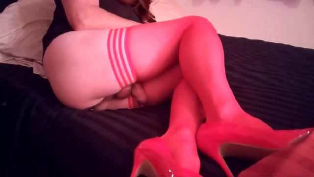 SL4UA Holly In Red Stockings Strokes off Pt6 Free big shaved pussy lips