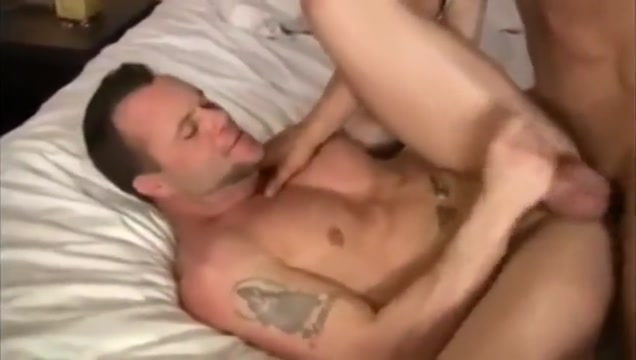 Papai gostosao fode bem Naked wife surprised