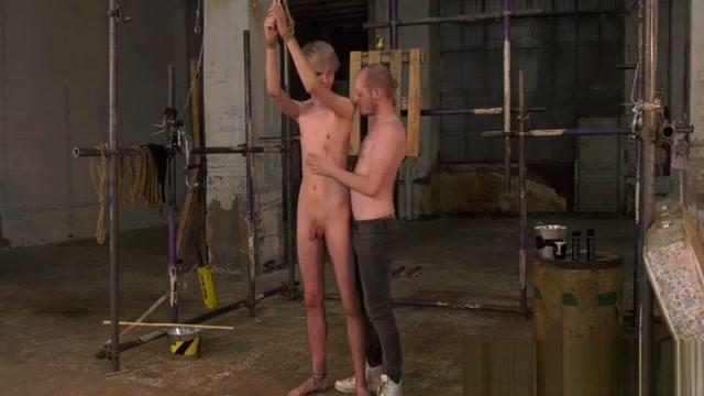 Tender Sky Heet blindfolded for tormenting wank off Automatic swing swinger
