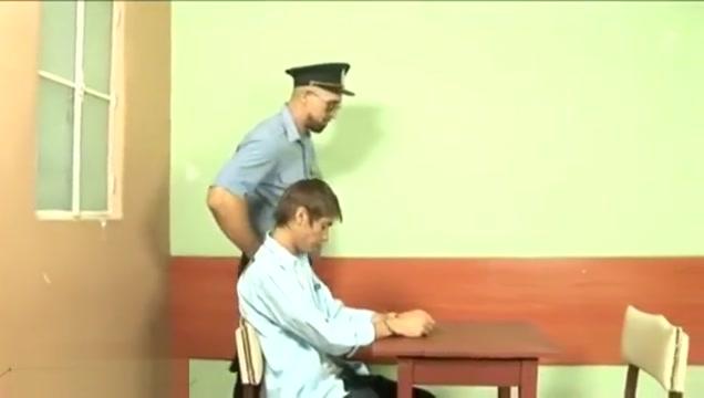 Policia , mesa de confesiones X Tube Mature