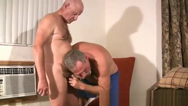 Hot Mature DaddyFuck free bi male porn