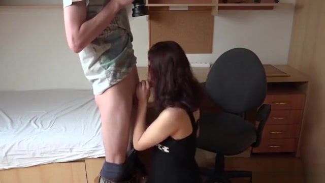 Adorable Czech Girl Was Teased In The Shopping Centre And Pl Living life with monster girls hentai