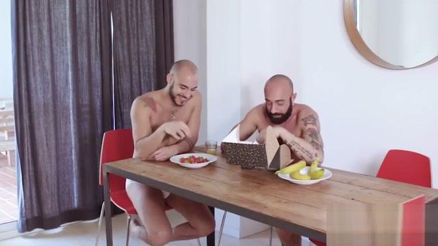 FuckerMate - Strawberry or Banana Wifey takes cumshot