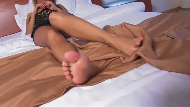 Audras Sexy Soles nude girls having sex with themselves
