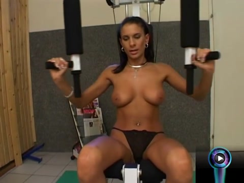 Chick Sits On The Gym Dildoing Her Sweet Cunt Hot brunette milf hiddencam
