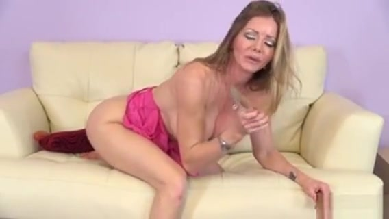 Sexy Slender Blonde Mom Amber Michaels Makes Herself Cum On The Couch She hit me up