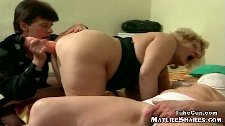 Grannies Toy Drilling Each Other Real wives posing