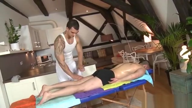 Muscle daddy anal sex and massage Prisoner Breaks Into House