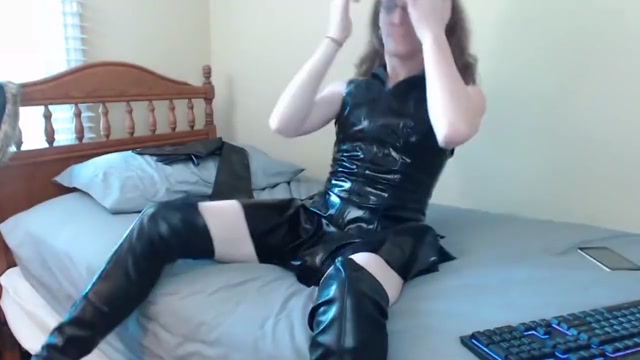 Chaturbate transgirl Jadeisrad chats and licks her dick 6-14-18 Planetsuzy nude diving
