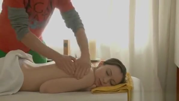 Hunk Is Getting Gal Lustful For Fucking With Massage