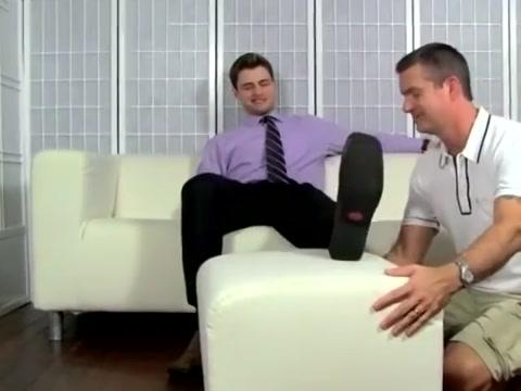 Leon Feet milfs in uniforms