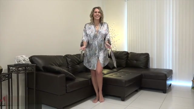 Victoria Cruz - Victoria On The Couch girl makes guy lick her asshole
