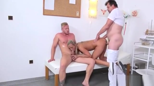Fellow Assists With Hymen Physical And Poking Of Virgin Cuti farrah abraham porn full
