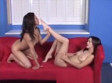 Hot Lesbians Lick Feet - Watch Part2 On Xxteencams. Com Best Sex girl in Germany