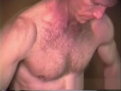 Mature Amateur Steve Jerking Off Lightskin bubble butt
