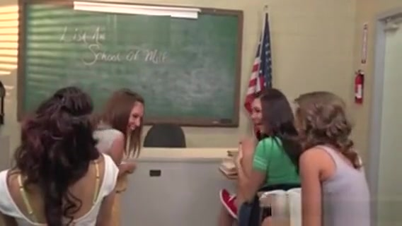 Great Lesbian Orgy In The Classroom