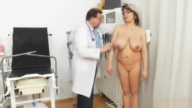 Huge natural melon size titties at obgyn physician sexy babe in bed
