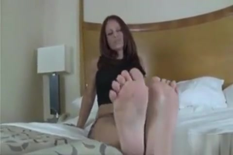 Showing Off Her Great Feet And Soles Sexy short hair styles for men