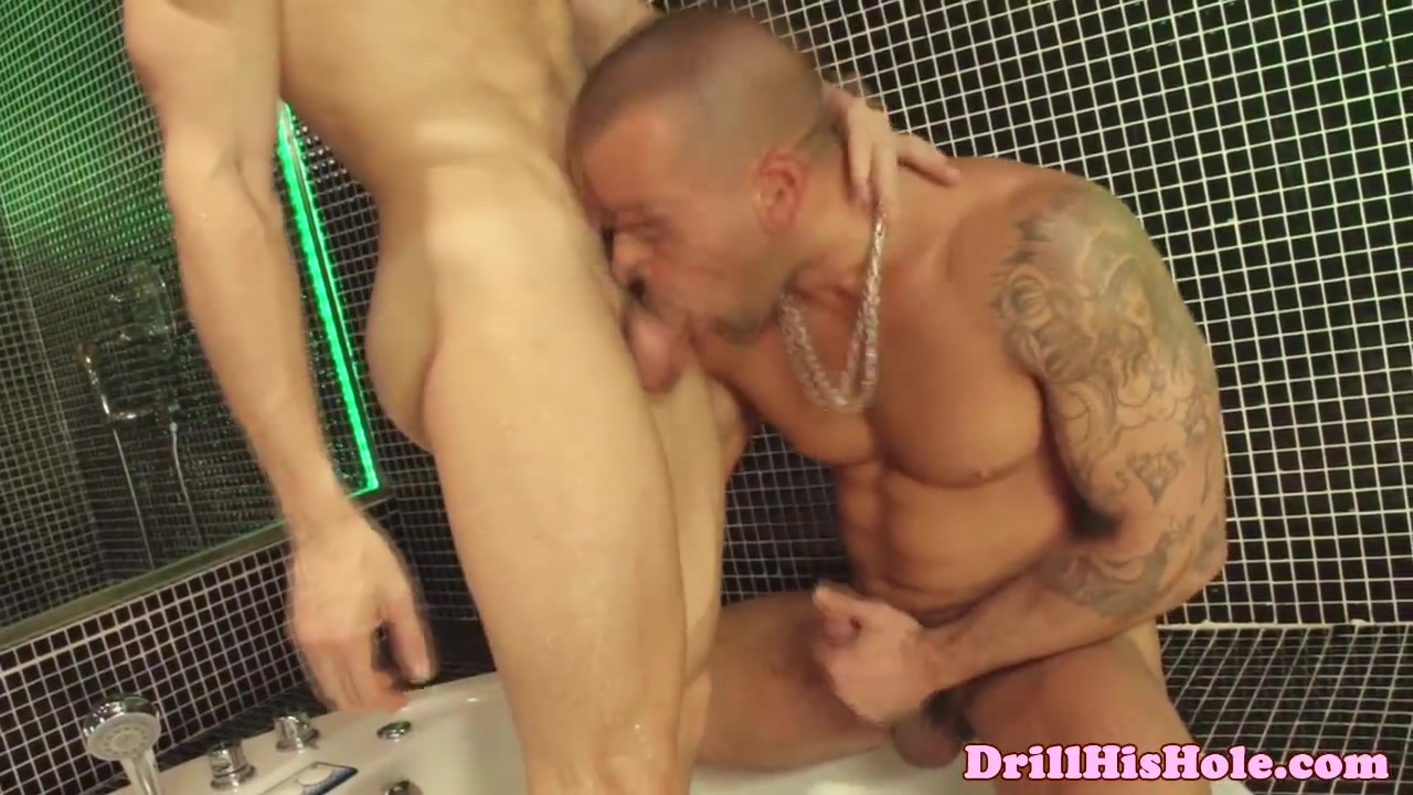 Damien Crosse dominates over bottom Shaved cocks cuming