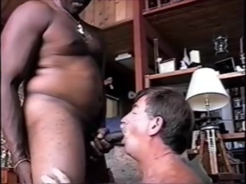 SMILING COCKSUCKER TAKING FIRST BLACK CUMLOAD AND SMILING