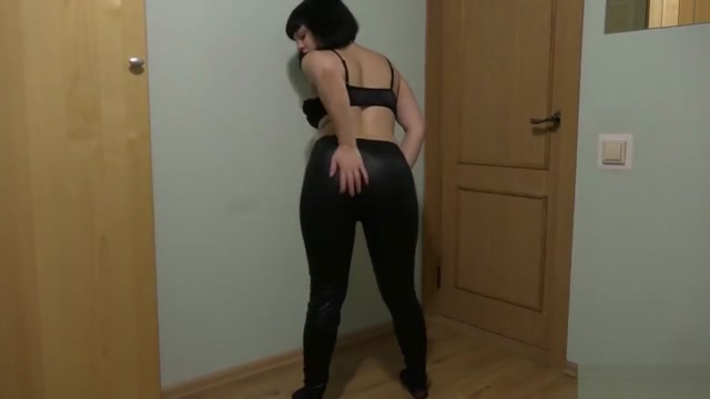 Girl with hairy pussy masturbates Sexy amateur deepthroat porn scene