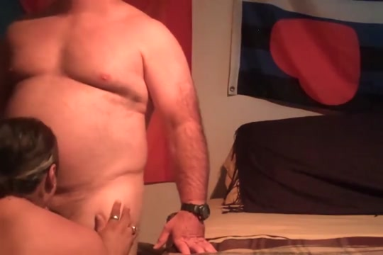 Smooth Stocky Bear Gets Sucked Eau claire hookups