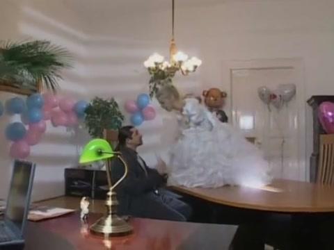 Dora Venter bride Dame mature ce tape un jeunot