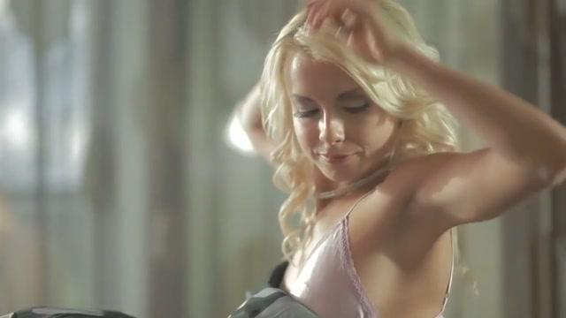 Fellucia Blow (aka Mia Magma) - Daydream Dating online talking new
