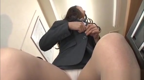 Sexy Young Secretary Provokes A Horny Dude In The Office free game reality sex virtual