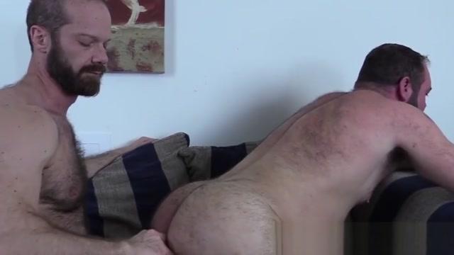 Handsome bear fingered adn bareback before cumshot The economics of modeling