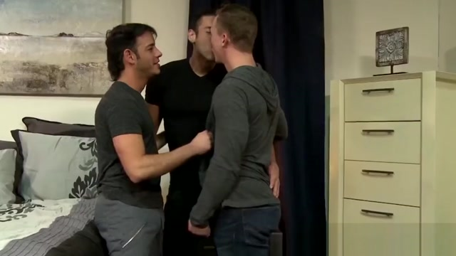 Hung Alexander Garrett fucks Rego Bello and Tommy Regan Demanding hotty gives dude an explicit dick riding