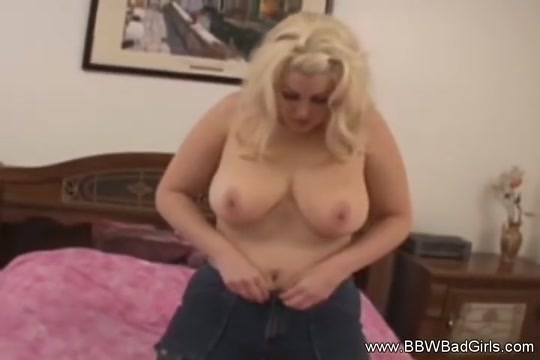 Eating Out A Blonde BBW Amateur Nikki benz porn gif