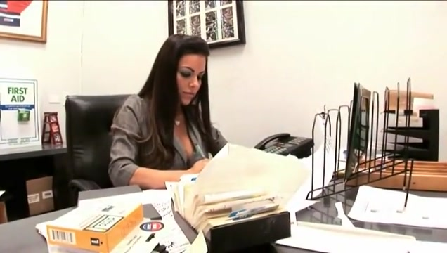 OG Pornstar Victoria Valentino Fucks Her Employee At Work Www nude girls pics