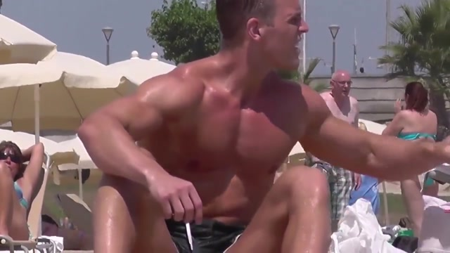BLOND MUSCLE BEACH ass jiggles as she rides cock