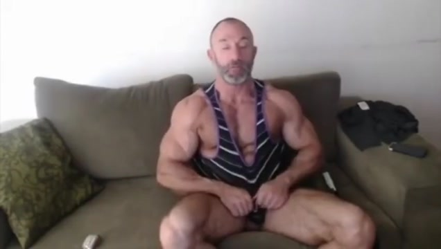 Old muscle daddy with huge biceps, jerking off Free Blonde Cougar Porn