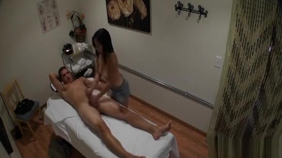 Sweetheart Performs Relaxing, Yet Nasty Massage For A Dude fat dicks in chicks