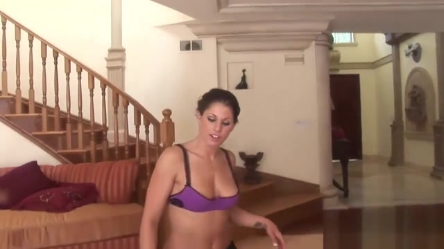 Kinky Handjob Session With A Slutty Brunette clean porn track for free