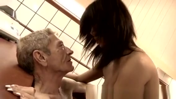 Girl Sex Old Man And Young Girl After Some Brief Test The St Local slut in Pingzhen