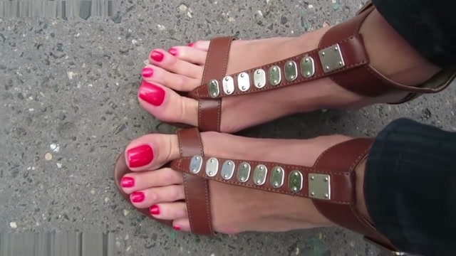 Sexy sandals and long toes barzil girls camera sex