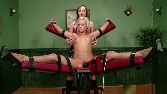 Horny Jessica Bee Loves Dildo Pornstars people with two sex