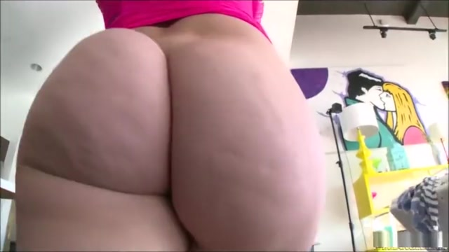 Mandy Muse and her monumental ass shaking Korean Hotgirl