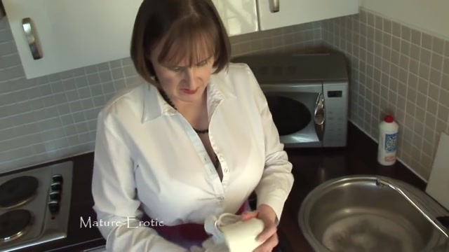 Busty mature neighbours wife teasing me in the kitchen Asian girlof the day