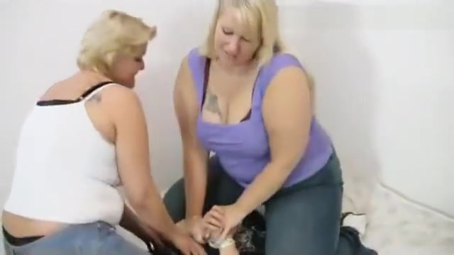 BBW Cathy and Cora jeansitting Best position for mfm sex