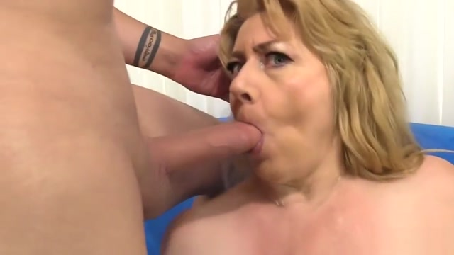 Granny Penny Sue Drilled by a Long Cock Chines girls hot boobs