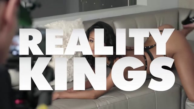 Reality Kings - RK Prime - Jade Kush Duncan Saint - Chainlink Tease- How to make a sex toy for boys