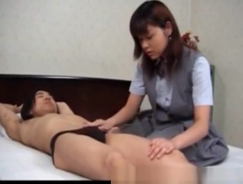 Uncensored Japanese Porn MILF Eir Ueno hot blowjob Saw sister in law naked