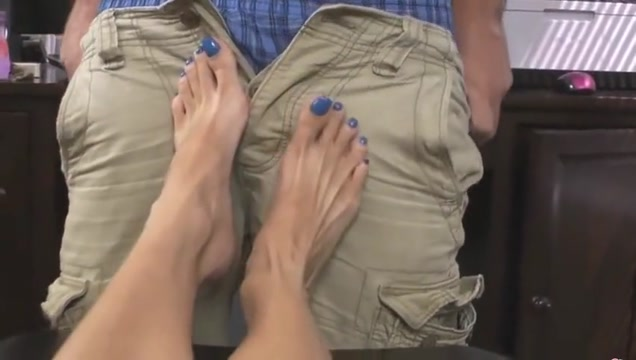 Granny gives a nice Footjob with Blue Toenails Finger ass cheeks bent over spread