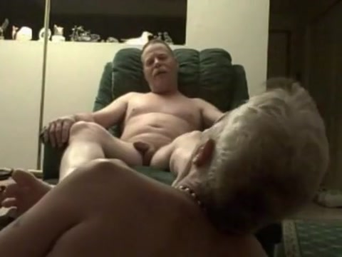 Older man gets his feet worked over Mature aged black mama with pics free