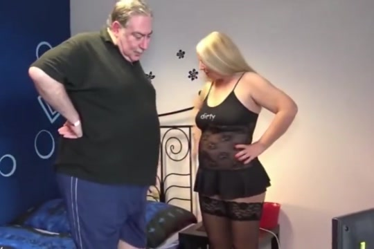 oso chubby italiano edith lovechubbymex MILF Tastes a Teen Snatch
