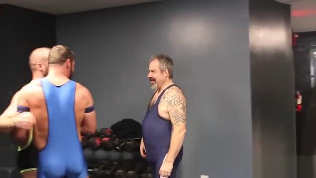 Raw Locker Room Bear Threesome Girl fucks dragon dildo
